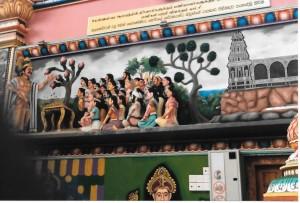 King Kulakkoddan instring temple care takers